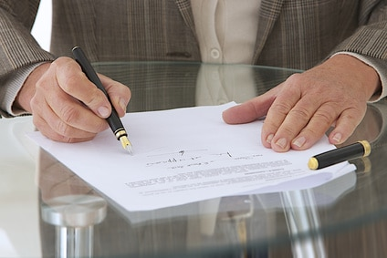 L'accumulation d'irrégularités qui affecte le sens et la portée des mentions manuscrite d'une caution rend celle-ci nulle.